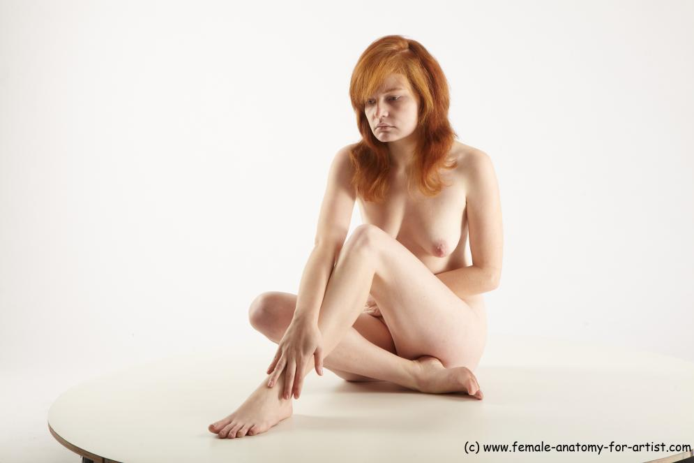 Image from Female sitting poses - hana_sitting_01.jpg